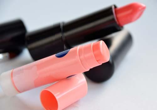 色つきリップクリームを口紅に代用するときの注意点