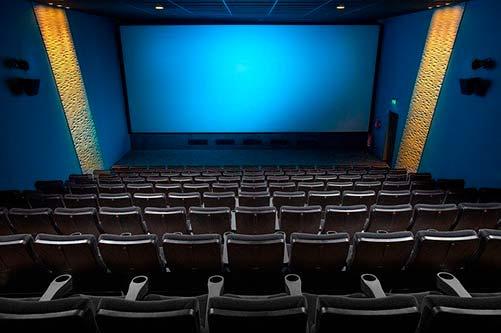 満席の映画館は安全?コロナ感染リスクが低い座席はどこ?