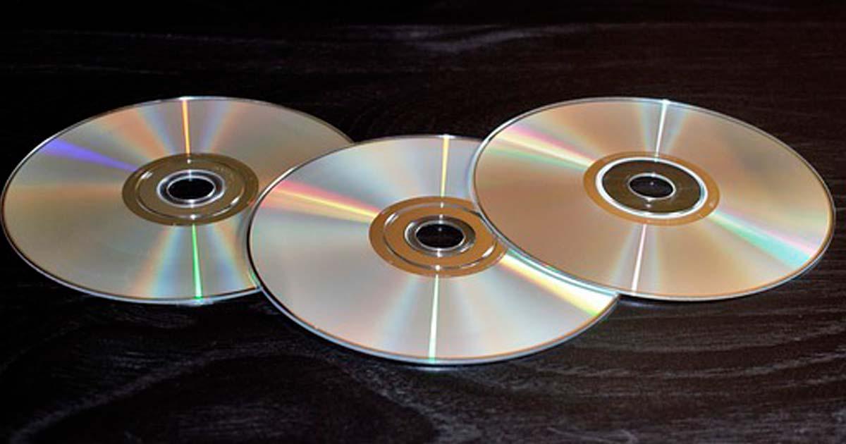 DVD宅配レンタル TSUTAYA、ゲオ、ぽすれん、DMM比較!どれがオススメ?